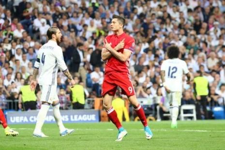 Левандовски: могли обыграть «Реал», но арбитр сделал много ошибок
